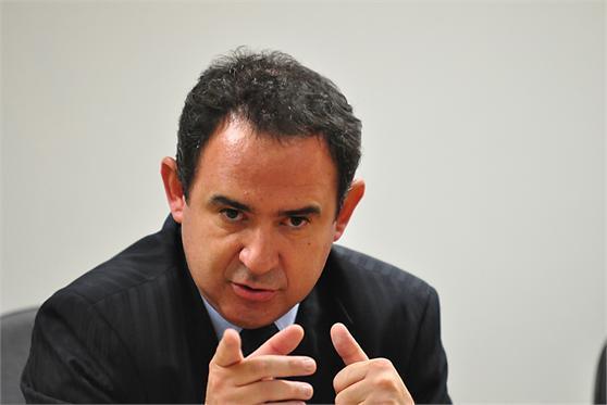 Fazenda lança call center para oferecer desconto a devedores