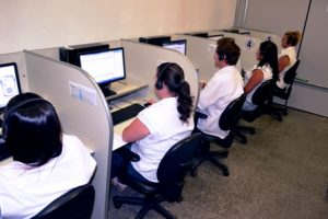 Equipe recebeu treinamento especial para orientar o cidadão que busca quitar suas dívidas com o município.